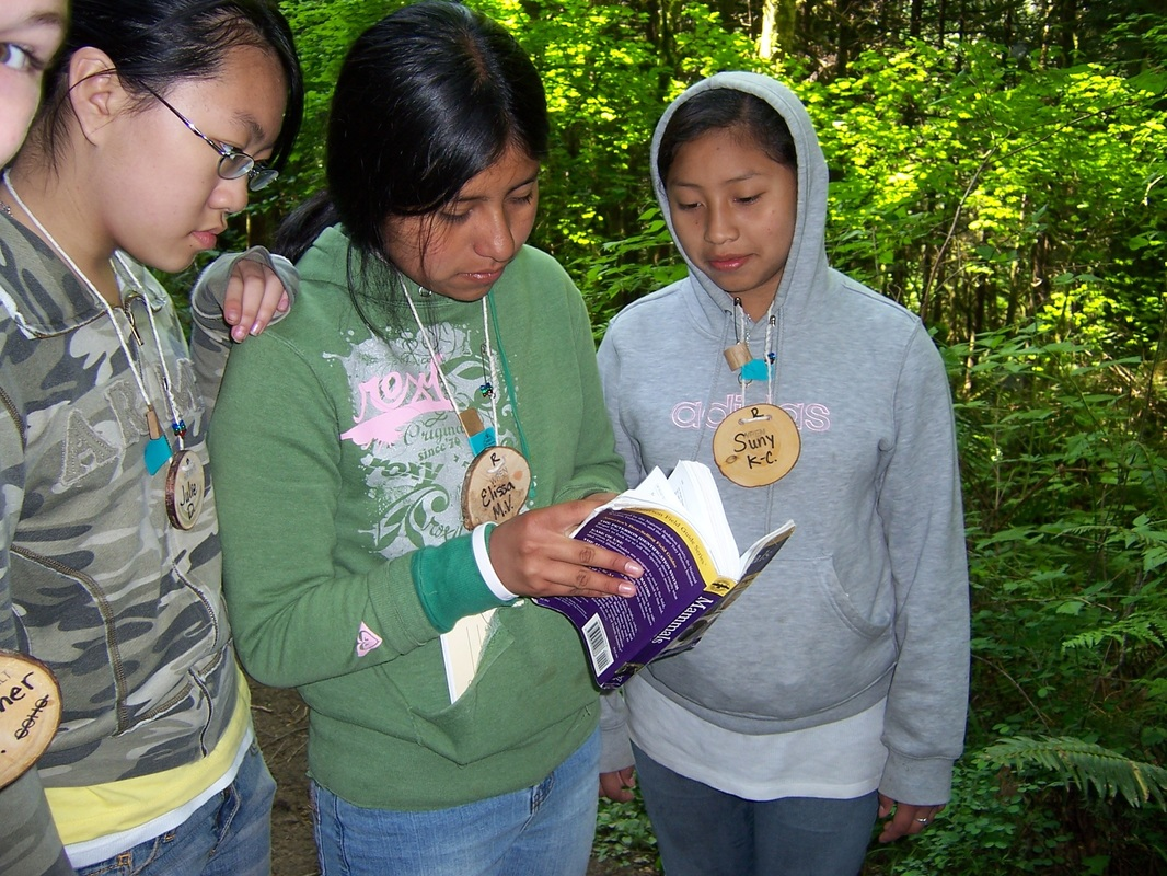 students using field guide