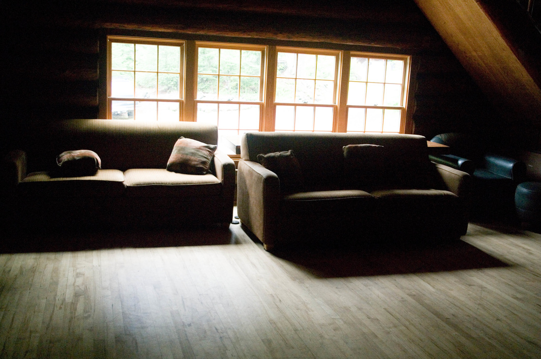 couches in lodge